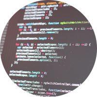 datorskärm med kodning